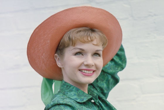 So many celebrities are reacting to Debbie Reynolds' death, because the world has truly lost a treasure