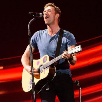 Chris Martin did a tribute to George Michael at a London homeless shelter, and our hearts are melting