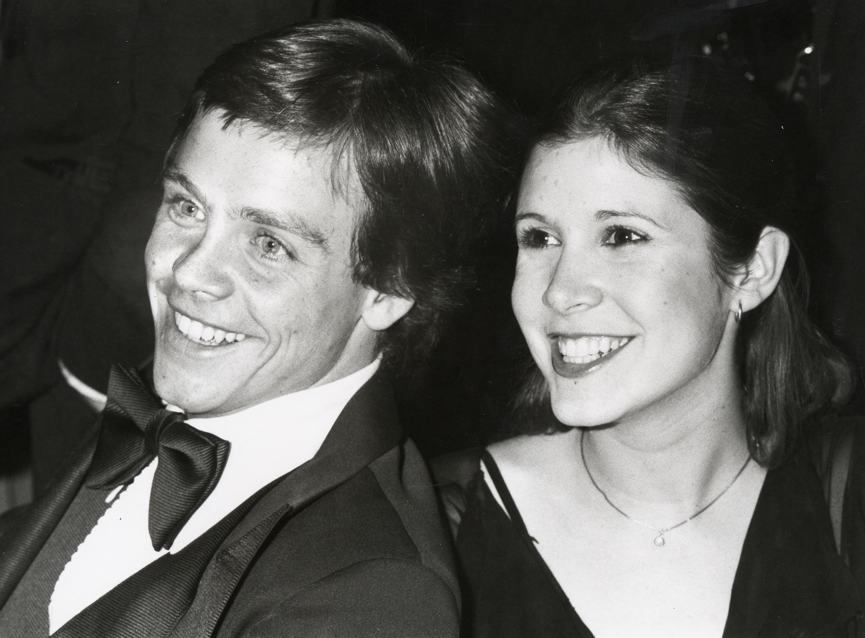 Mark Hamill has written another statement about Carrie Fisher, and this one has us bawling