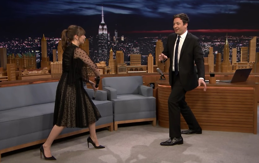 "Felicity Jones showed a clip from ""Rogue One"" last night on ""The Tonight Show,"" and we're more excited than ever"