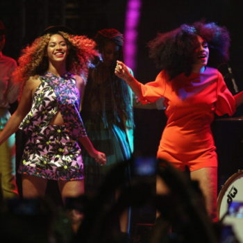 Here's the many and various ways people are reacting to the epic Beyoncé and Coachella news
