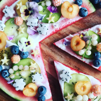 These gorgeous watermelon pizzas are so yummy we might not even miss the carbs