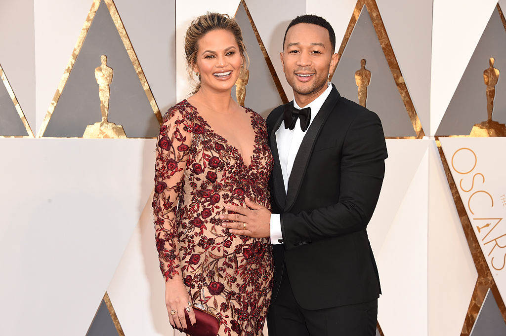 Chrissy Teigen, John Legend, and Luna's family vacation photo is a modern marvel