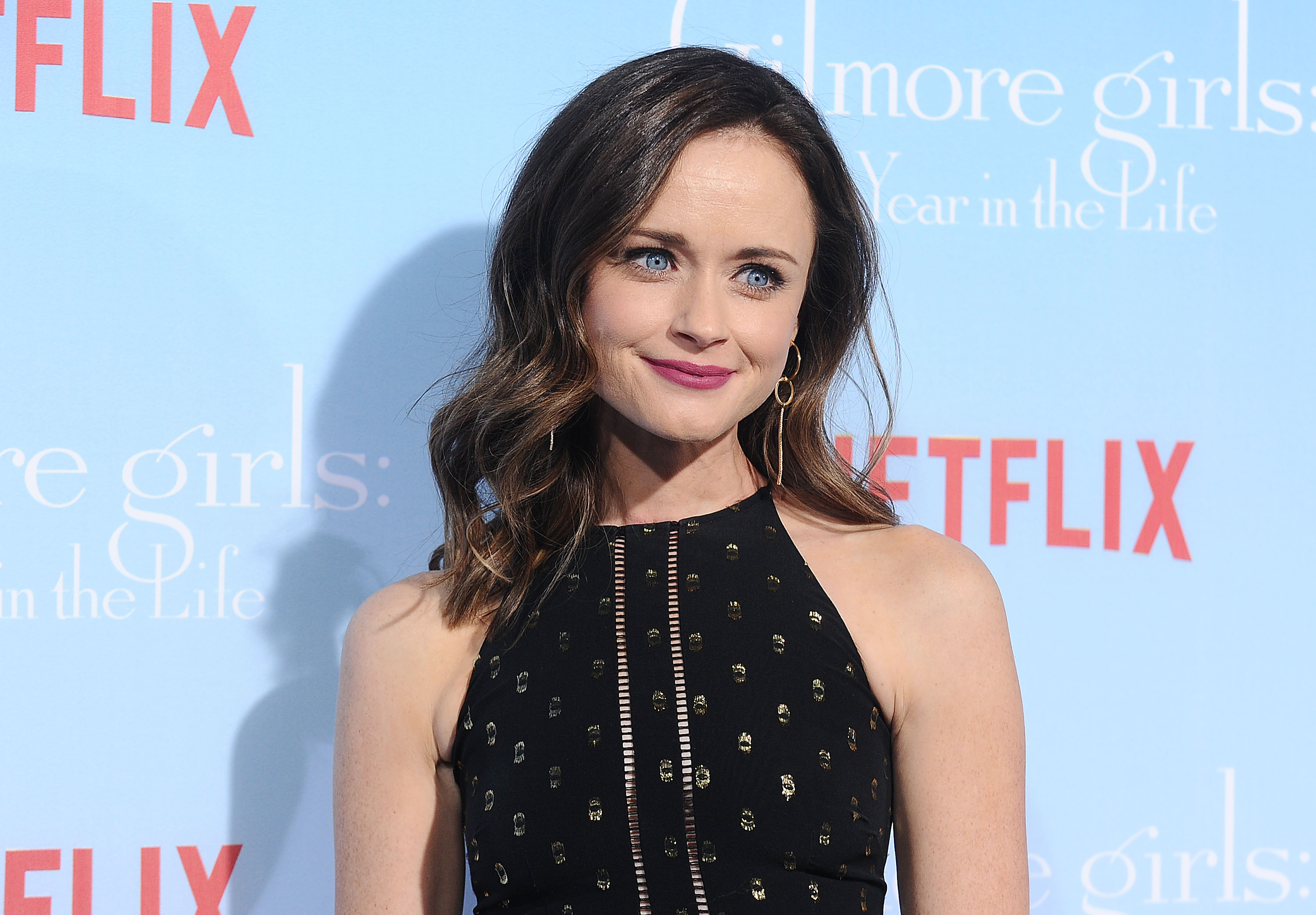 Stop everything, Alexis Bledel has a brand new TV show on Hulu