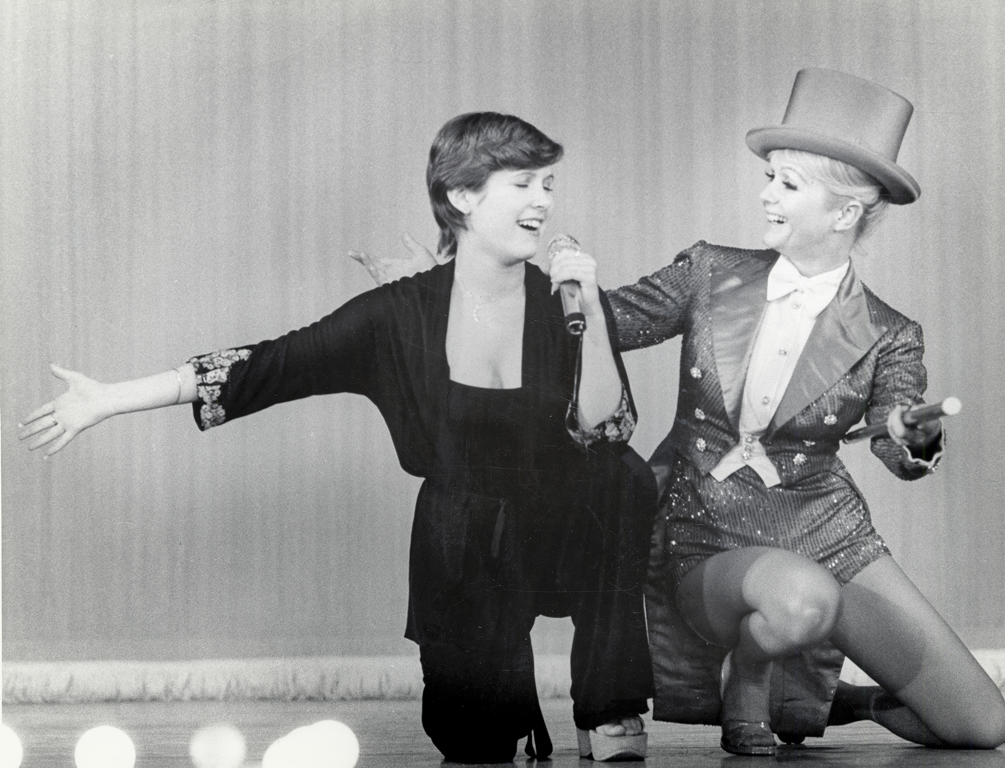 """Here's how Carrie Fisher felt about """"Bright Lights,"""" the documentary about her and Debbie Reynolds"""