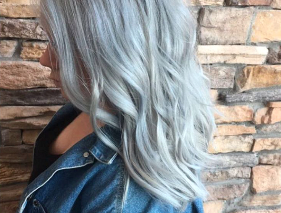 This silver blue hair is giving us straight up winter vibes