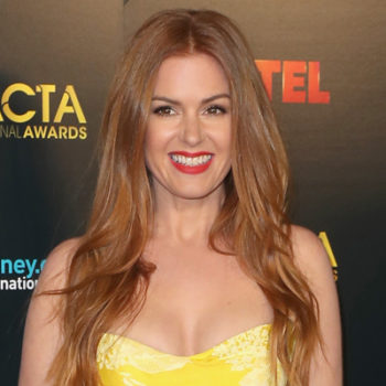 Isla Fisher isn't working with a stylist and we totally get why she's rocking it solo