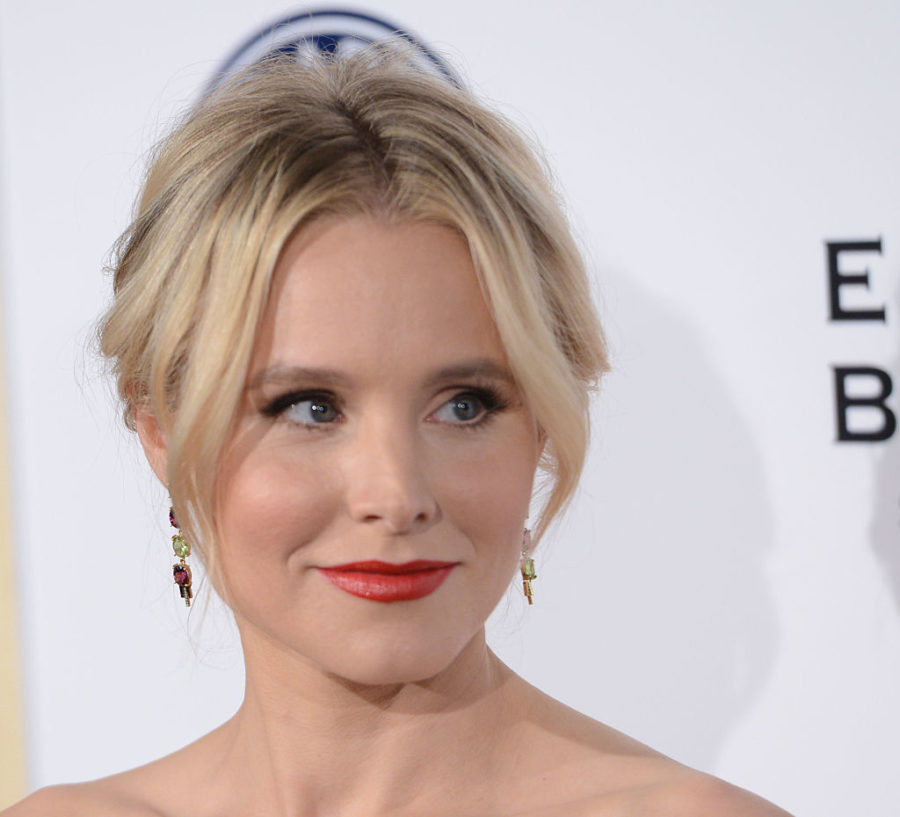 Kristen Bell hit a fancy gala, but got distracted by the snacks, because she is our queen