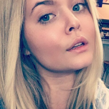 Sasha Pieterse grew out her bangs, proving that 2017 is the year of major hair changes