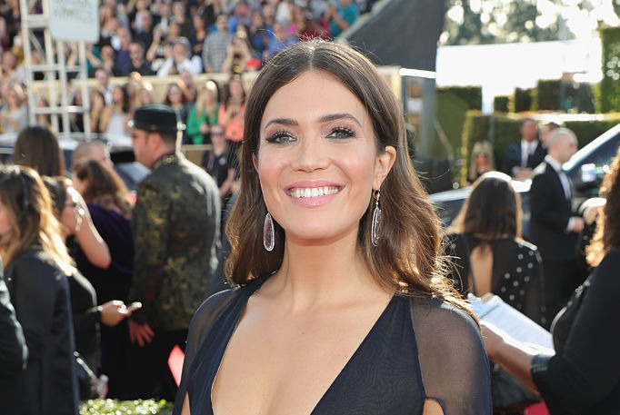 Mandy Moore's daring plunging neckline and cape is winning the Golden Globes