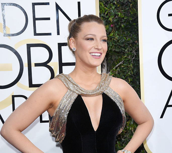 Blake Lively has ARRIVED at the Golden Globes and her dress has pockets!!