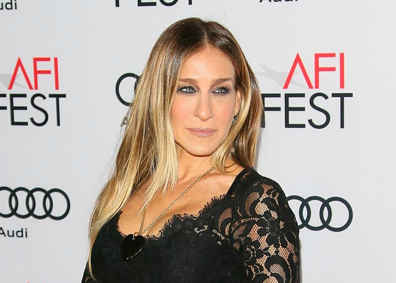 Sarah Jessica Parker's Golden Globes look is totally a nod to Princess Leia