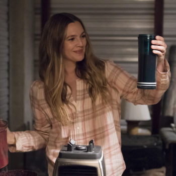 "The first trailer for Netflix's ""Santa Clarita Diet"" is here, and please enjoy zombie Drew Barrymore"