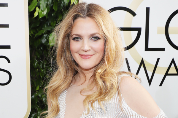 Drew Barrymore's night at the Golden Globes might be our favorite photo journey ever