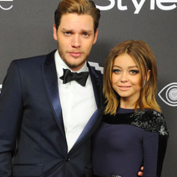 """Sarah Hyland and boyfriend Dom Sherwood were """"caught"""" kissing in the elevator at the Golden Globes and it was adorable"""
