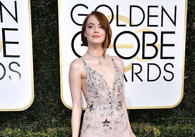 Emma Stone has aced incognito-chic airport style (while traveling with Ryan Gosling!)