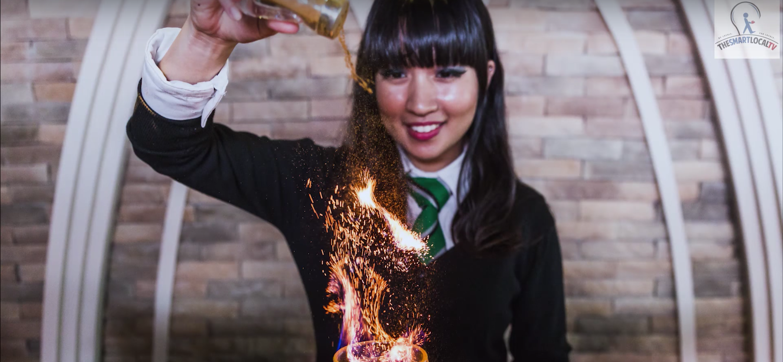 """There's officially a """"Harry Potter"""" cafe that serves literal Goblets of Fire ... with booze"""
