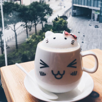 Coffee-drinking animal lovers will adore this precious and elaborate 3D latte art