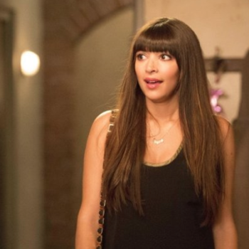 Hannah Simone used to be mistaken for Kim Kardashian by the paparazzi, and we kinda see it