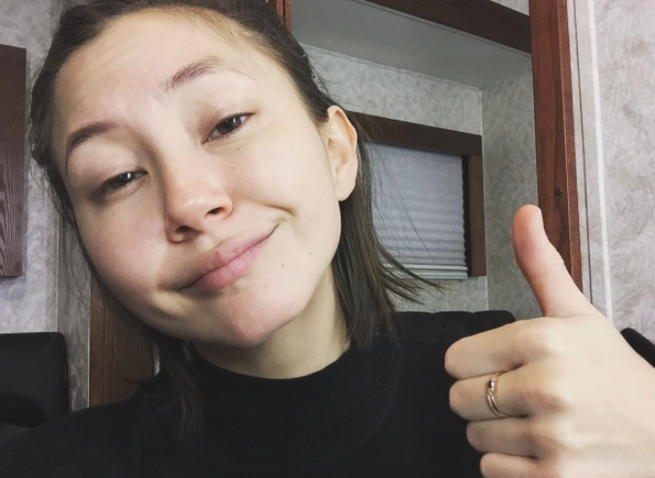 Kimiko Glenn from 'Orange Is The New Black' crocheted some amazing beanies to raise money for cancer research