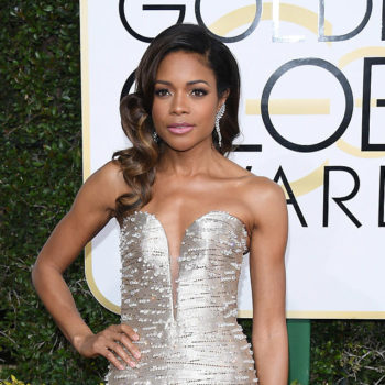 Naomie Harris had a hilarious and awkward way to keep her Golden Globes gown from wrinkling