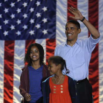 These photos of Sasha and Malia's first visit to the White House will make you feel things