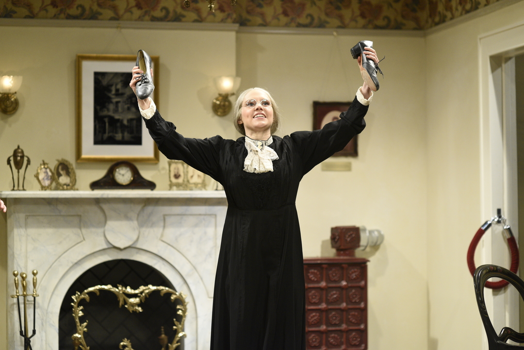 Kate McKinnon as Susan B. Anthony on 'SNL' shows that feminism can be messy