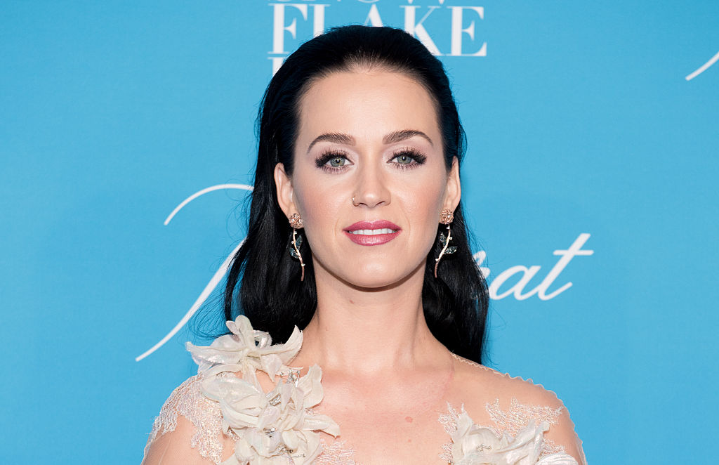 Katy Perry surprised Orlando Bloom with a party and his mom for his birthday