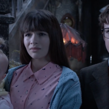 7 reasons you should be binge-watching 'A Series Of Unfortunate Events' right now