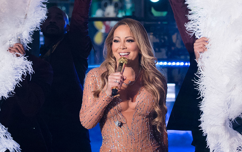Mariah Carey performed flawlessly at a wedding, and made a crazy amount of money in the process