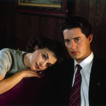 """Get yourself excited for the """"Twin Peaks"""" revival with these timeless beauty looks from the original series"""