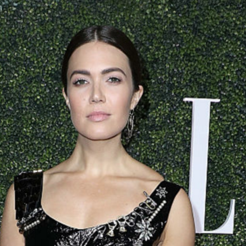 Mandy Moore's dress is the latest piece of proof that the '80s are back for 2017