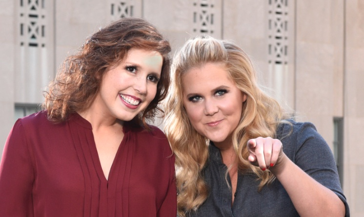 Amy Schumer and Vanessa Bayer's hilarious text exchange is making us want to text our besties