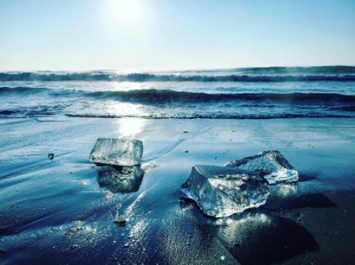 """""""Jewel ice"""" is a natural phenomenon that makes Japanese beaches look like the setting in a fantasy novel"""