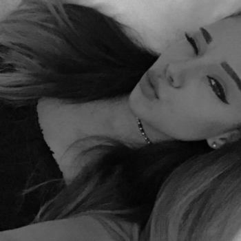 This girl looks so much like Ariana Grande, it's actually scary