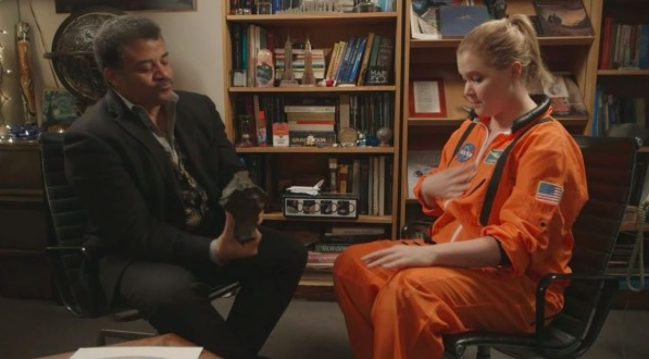 Amy Schumer casually hung out with famed scientist Neil deGrasse Tyson, and the video is making us laugh so hard