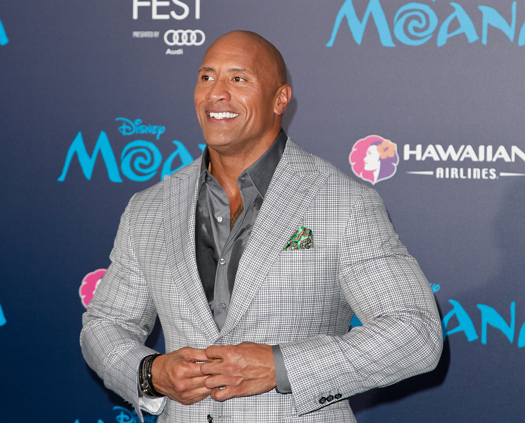 Just a vid of Dwayne Johnson snuggling the crap out of some darling puppies