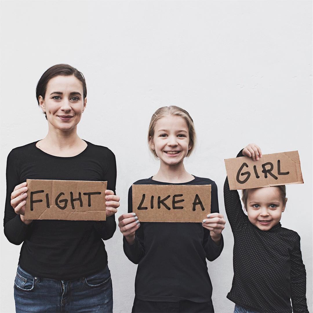 This mom's photos of her matching with her daughters are so gorgeous and cool