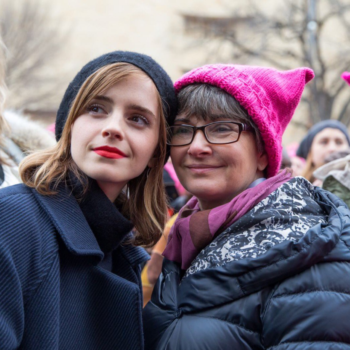 These photos of Emma Watson marching with her mom are a surefire way to warm your heart
