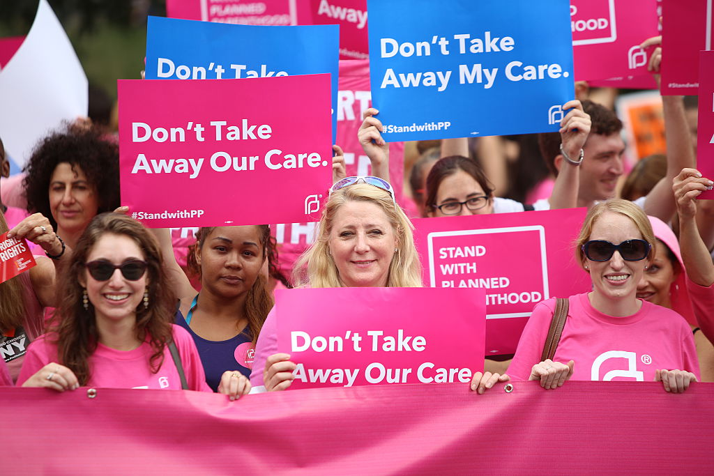 These 12 online shopping sources will be donating proceeds to Planned Parenthood