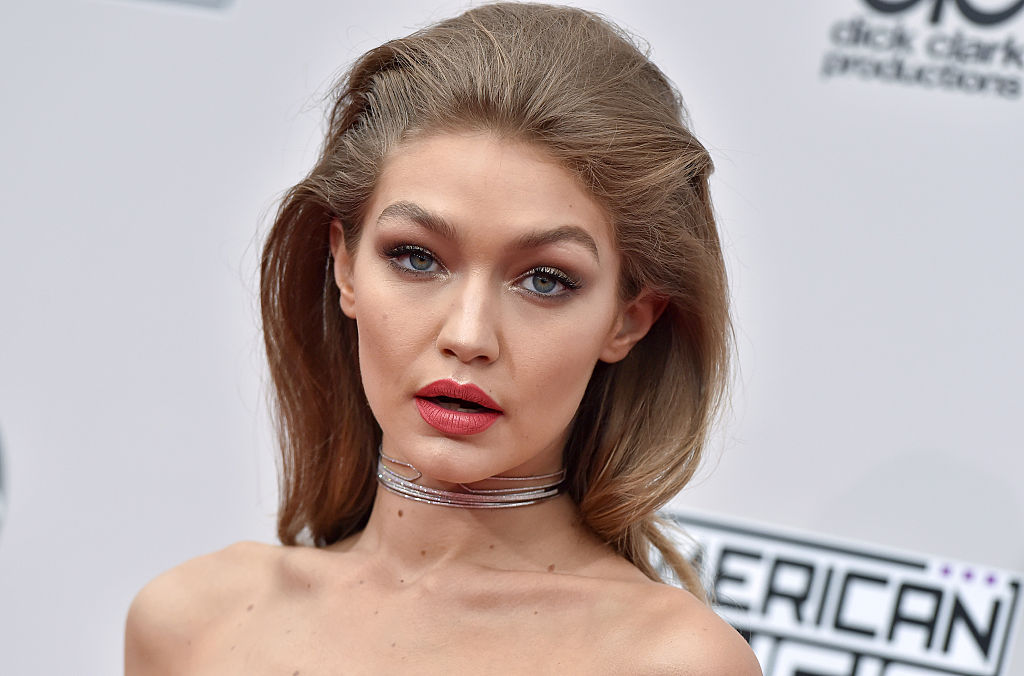 Gigi Hadid's pink sherbet hair and bangs gives us all sorts of hair change envy