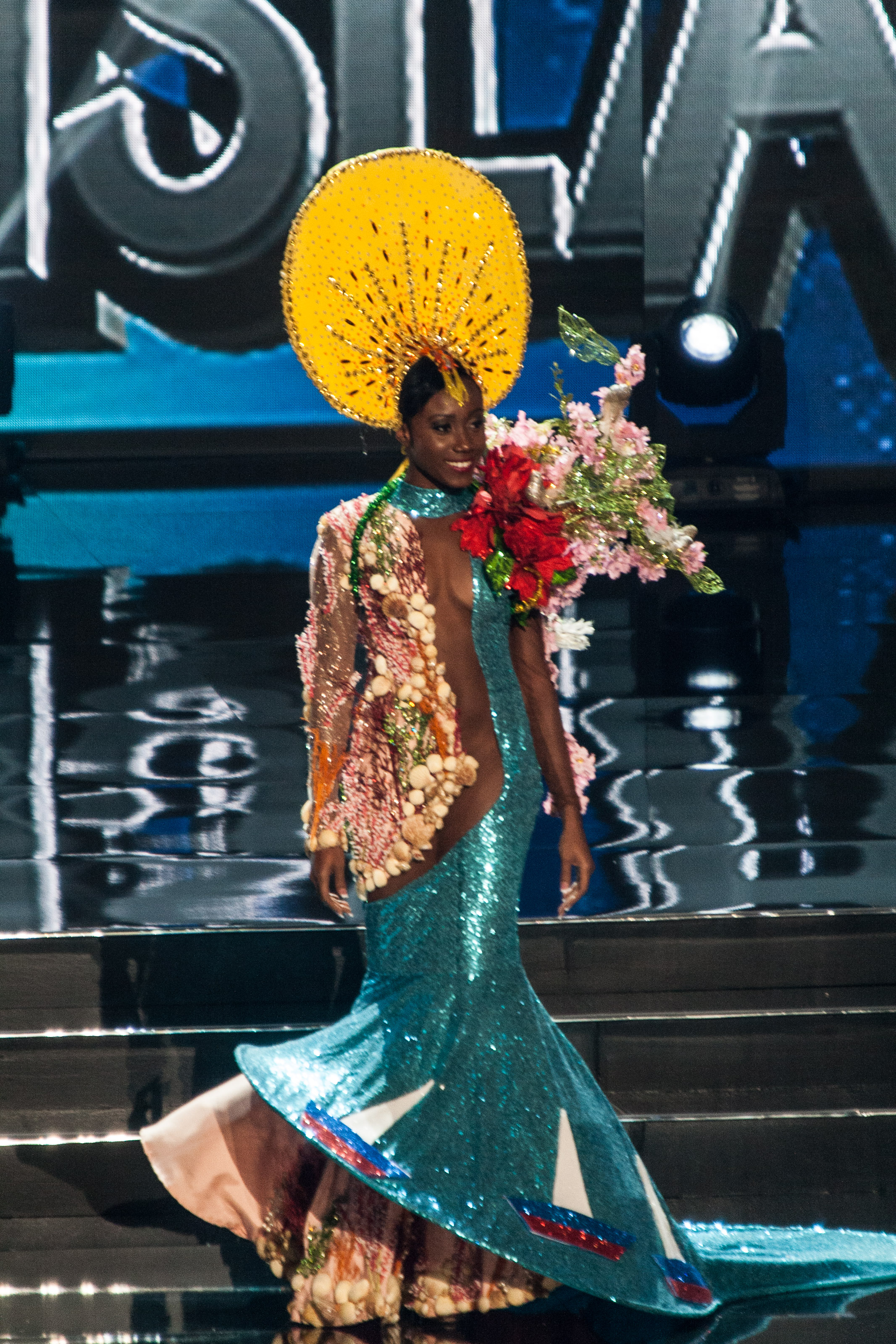 10 Insanely Stunning Miss Universe Costumes That We Can T