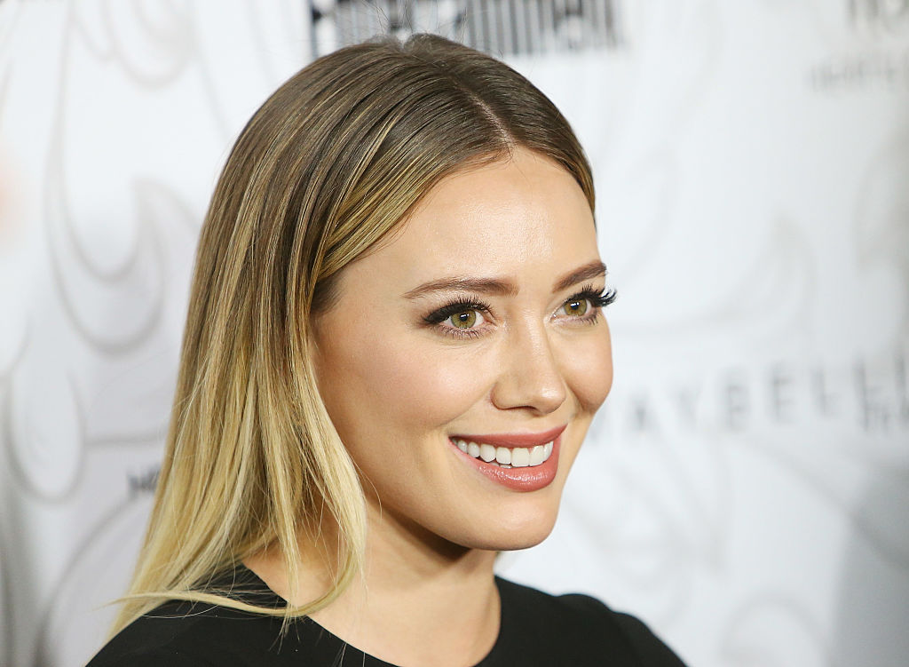 Hilary Duff wore a pantsuit to walk the red carpet, looked amazing