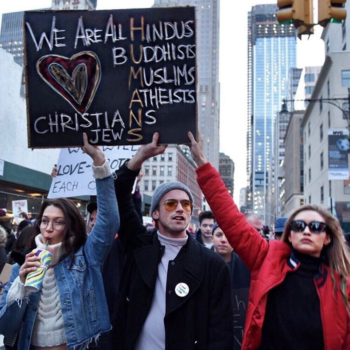 Gigi and Bella Hadid took to the NYC streets to protest Trump's Muslim ban