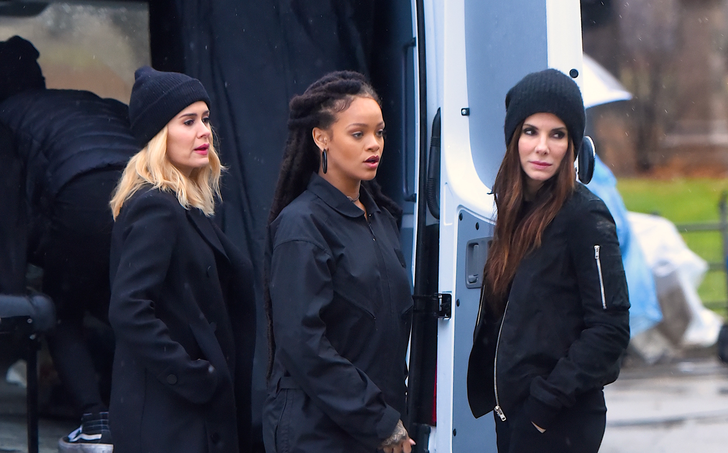 "The first ~official~ cast image for ""Ocean's 8"" is here, and it'll make your day 800% better"