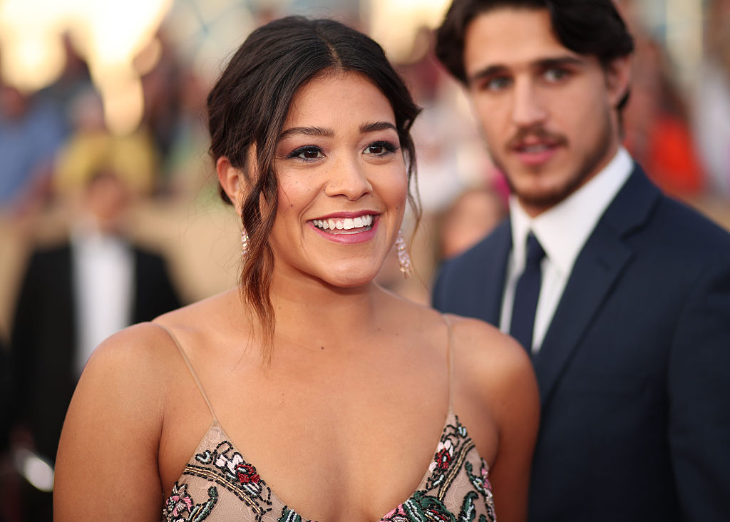 Gina Rodriguez had the most perfect response to being photobombed by Meryl Streep