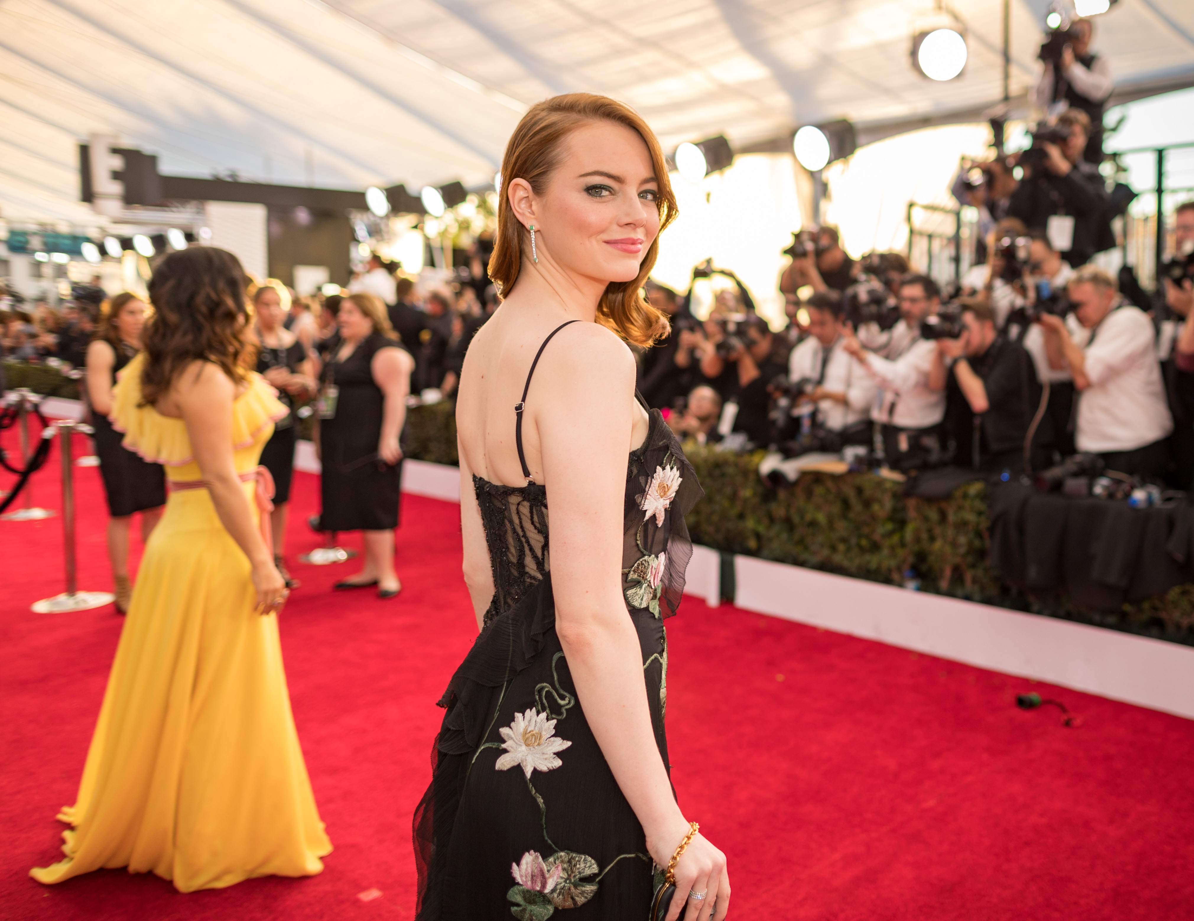 The Dress Emma Stone Wore To The Sag Awards Is Covered In