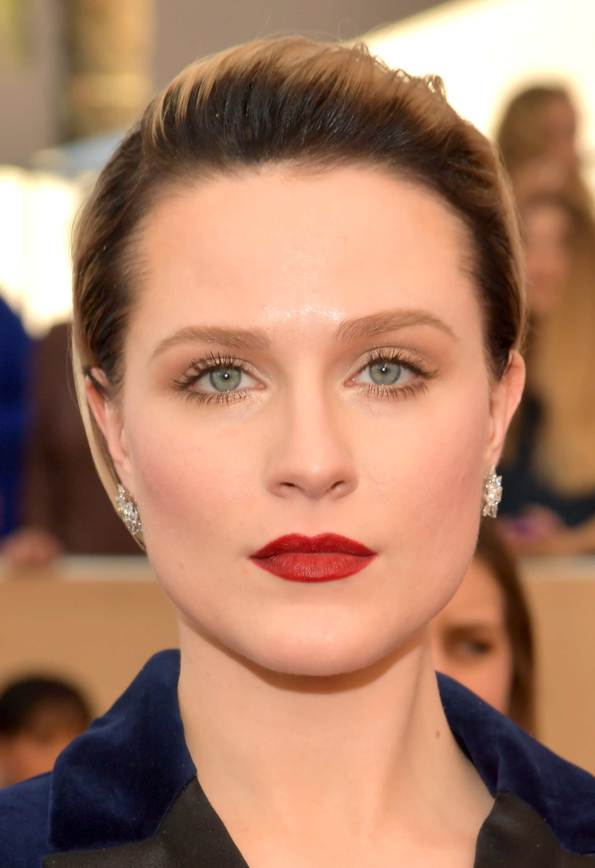 Evan Rachel Wood's makeup artist used one of our all-time ... Evan Rachel Wood
