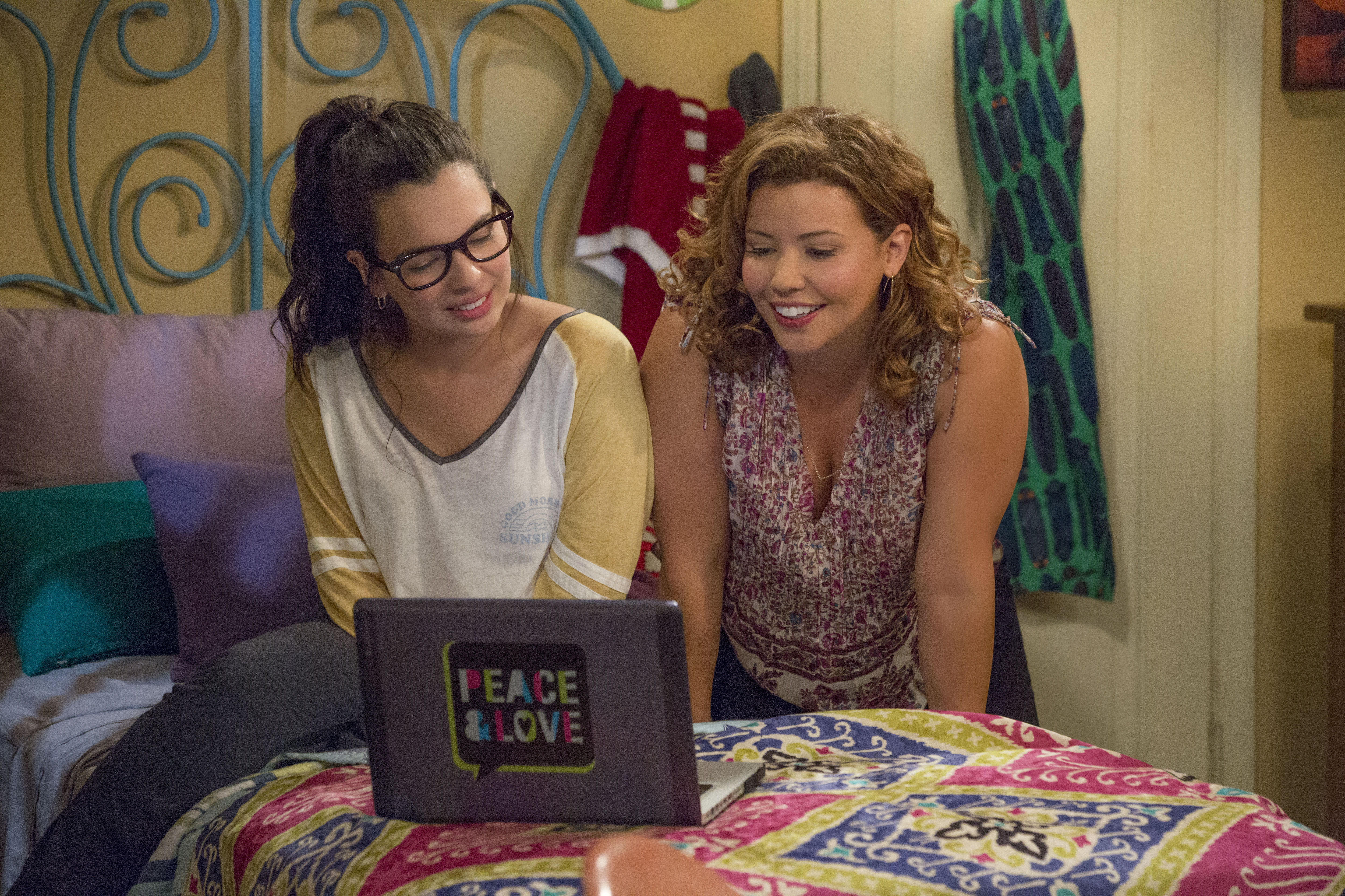 "9 reasons why Netflix's ""One Day at a Time"" is the best show you're not watching (yet)"