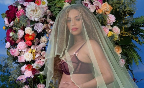 Beyoncé's baby bump picture just broke this Instagram record because it's SO iconic